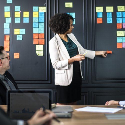Презентационни умения (лична презентация и презентация пред публика)